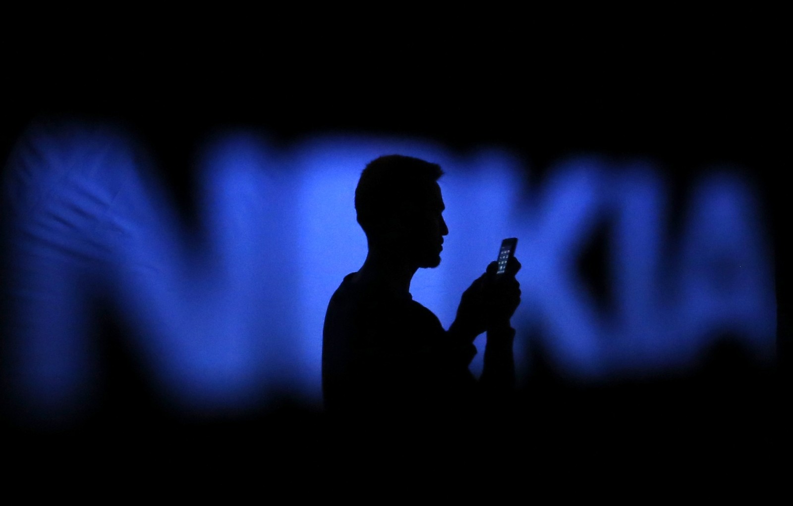 the market plan of nokia Nokia's strategic approach to marketing not only includes creating new markets and new customers, it also involves building lifetime relationships.