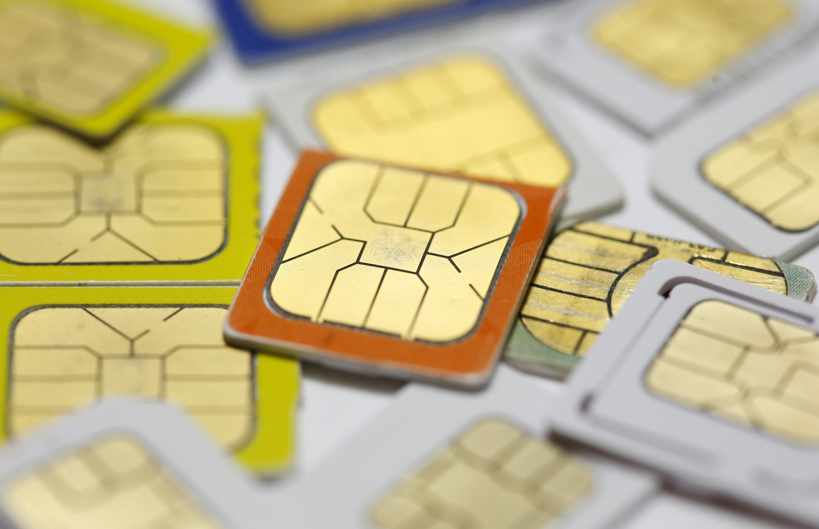 Apple and Samsung in talks to kill off SIM cards and replace them with e-SIM