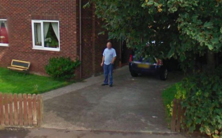 Man Google street view