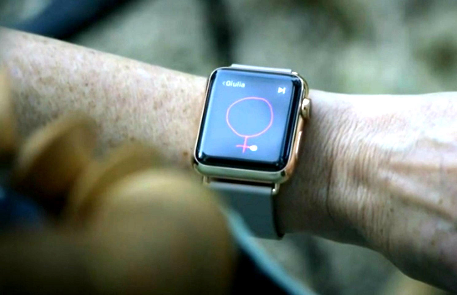 Apple Watch women satisfaction smartwatch
