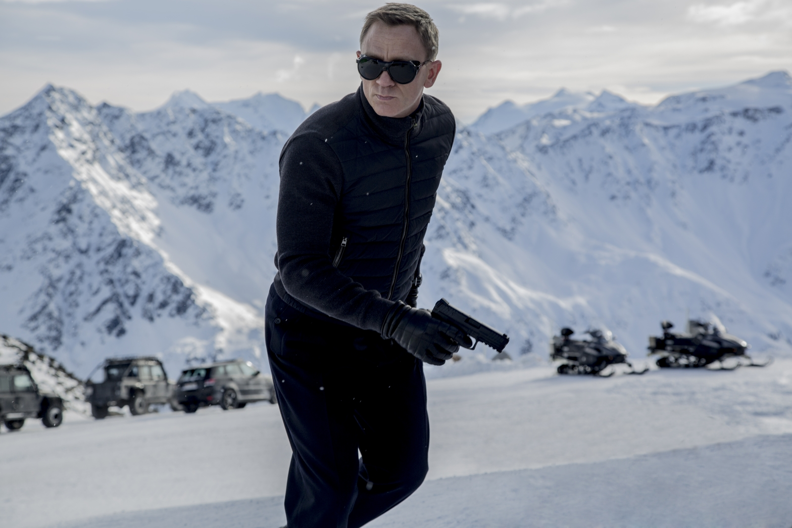 Spectre movie: Daniel Craig involved in scriptwriting for ...