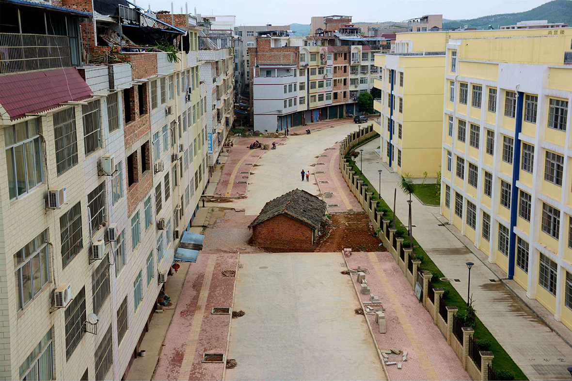 China 39 s nail houses defiant homeowners who refuse to make for New way of building houses