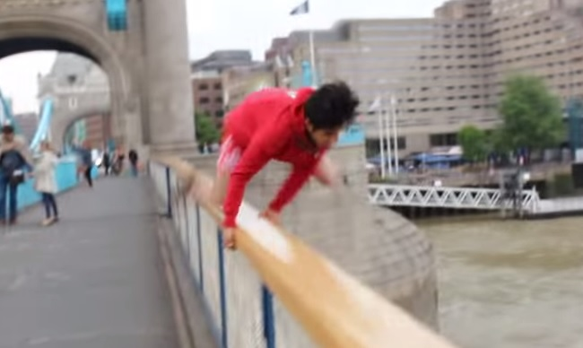 tower bridge jump video YouTube