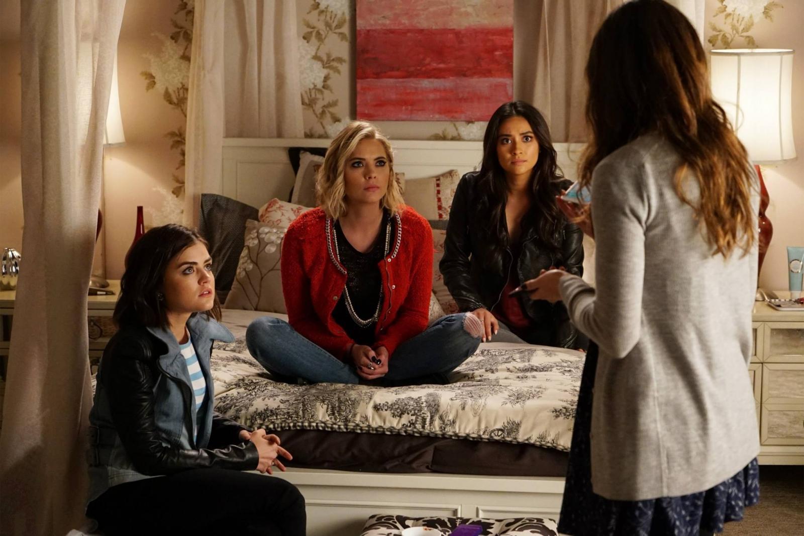 Pretty Little Liars season 6: Charles terrorises girls in ...