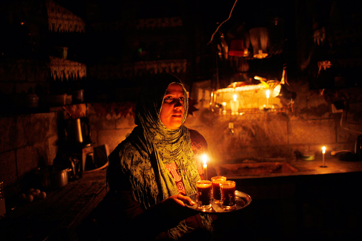 gaza power cuts residents living out electricity for up to  gaza power cuts residents living out electricity for up to 18 hours every day photo report