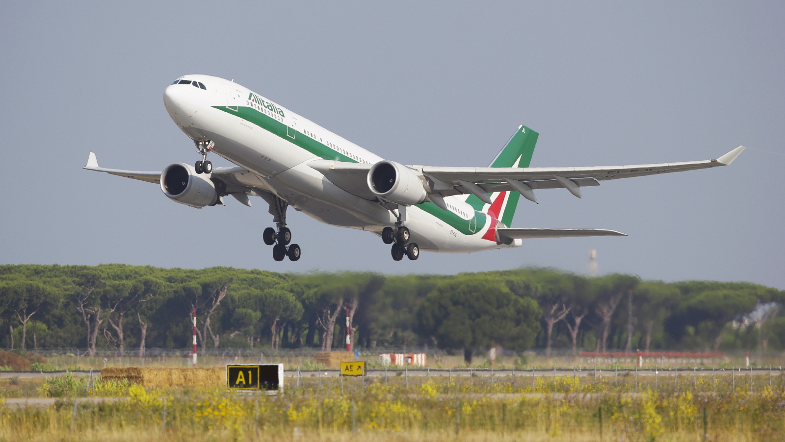 Rome FCO airport fire