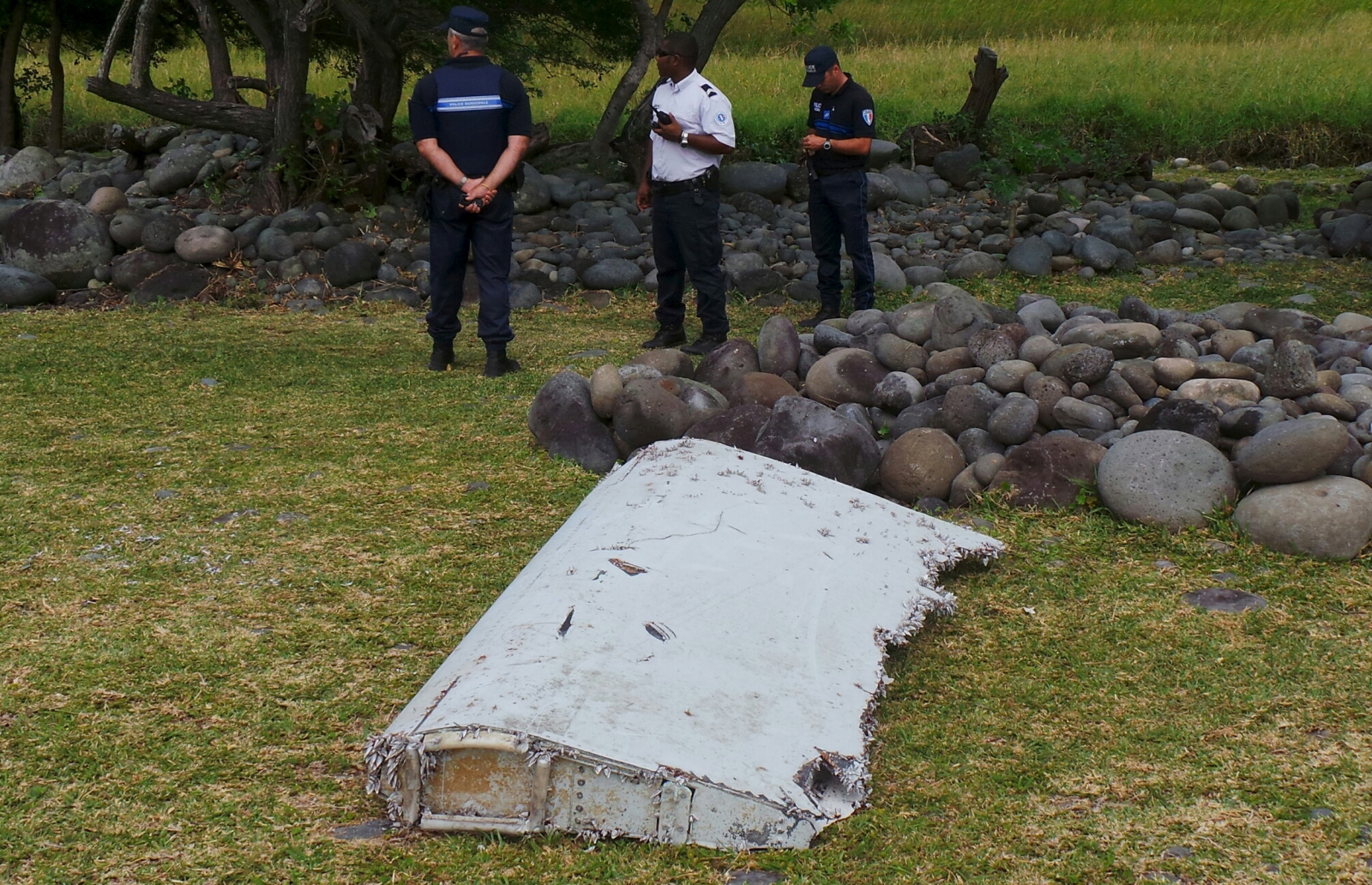 Mh370 what aircraft wreckage has been found from missing malaysia a fragment of aircraft wing called a flaperon confirmed as from mh370 reuters publicscrutiny Gallery