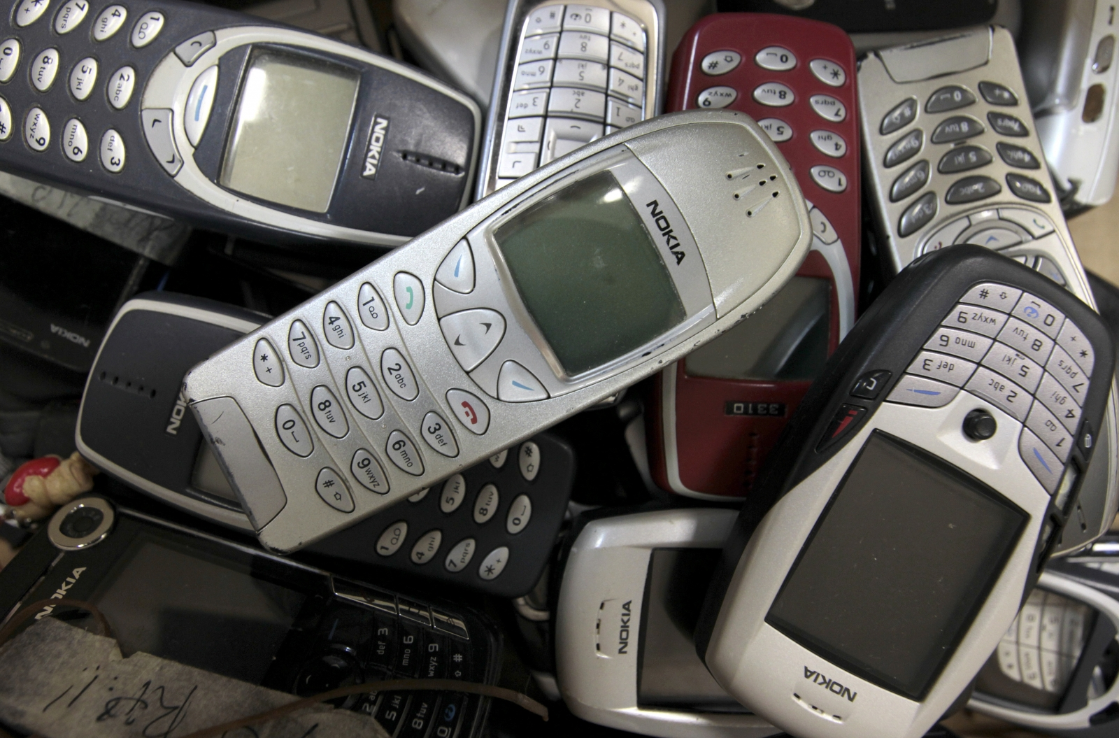 2G mobile phones