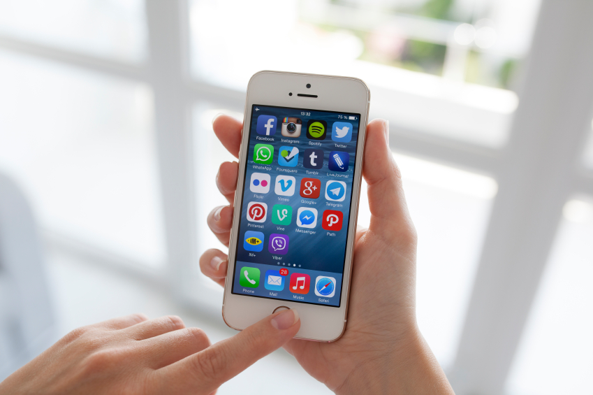 iPhone 5S survives a 9,300ft drop