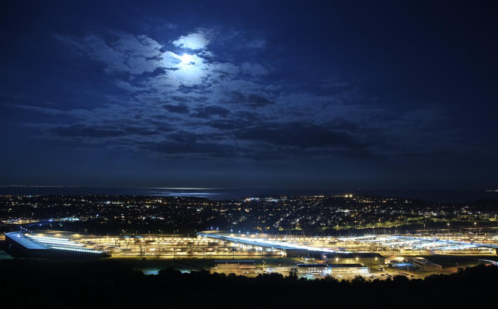 Blue moon in Folkstone