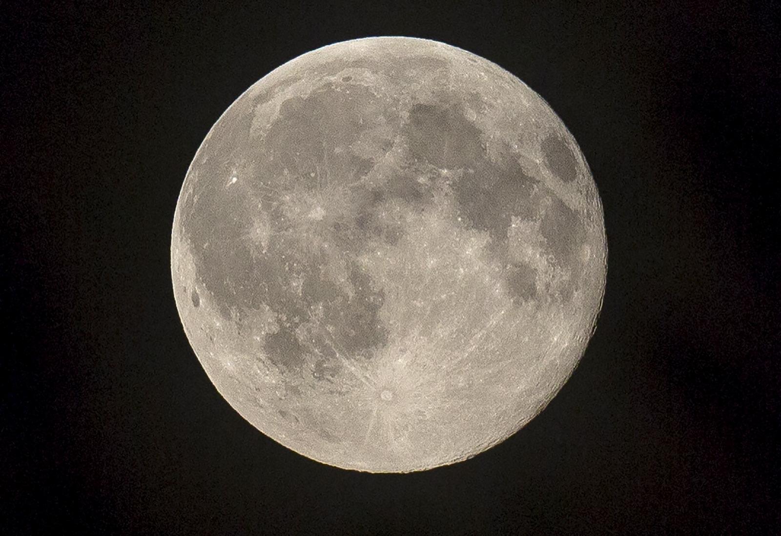 blue moon in London