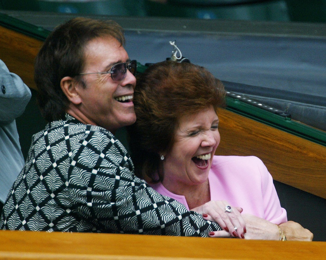 Cilla Black Death Celebrity Fans Mourn 60s Icon And Friend Of The Beatles And Sir Cliff Richard
