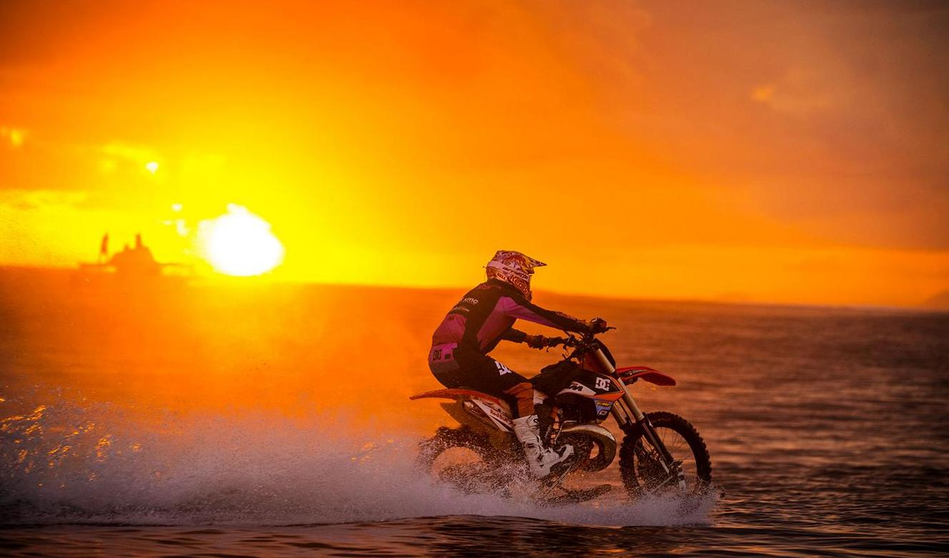 Robbie Maddison Amazing Video Shows Australian Stunt Rider Surfing Wave Motorbike 1513879 moreover 1513879 together with Analizan Obesidad Y Cambio Climatico En Francia Salud likewise 160 further Thread 1513879 1 1. on 1513879