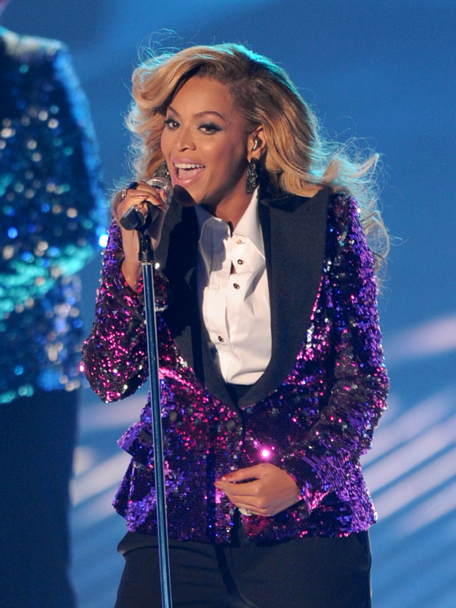 Beyonce VMAs 2011 MTV