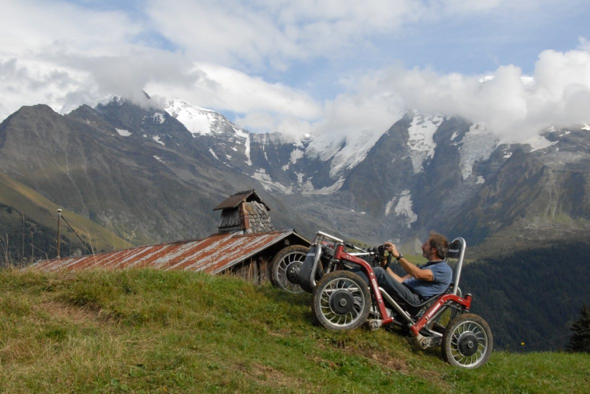 Swincar climbs the Alps with crazy suspension