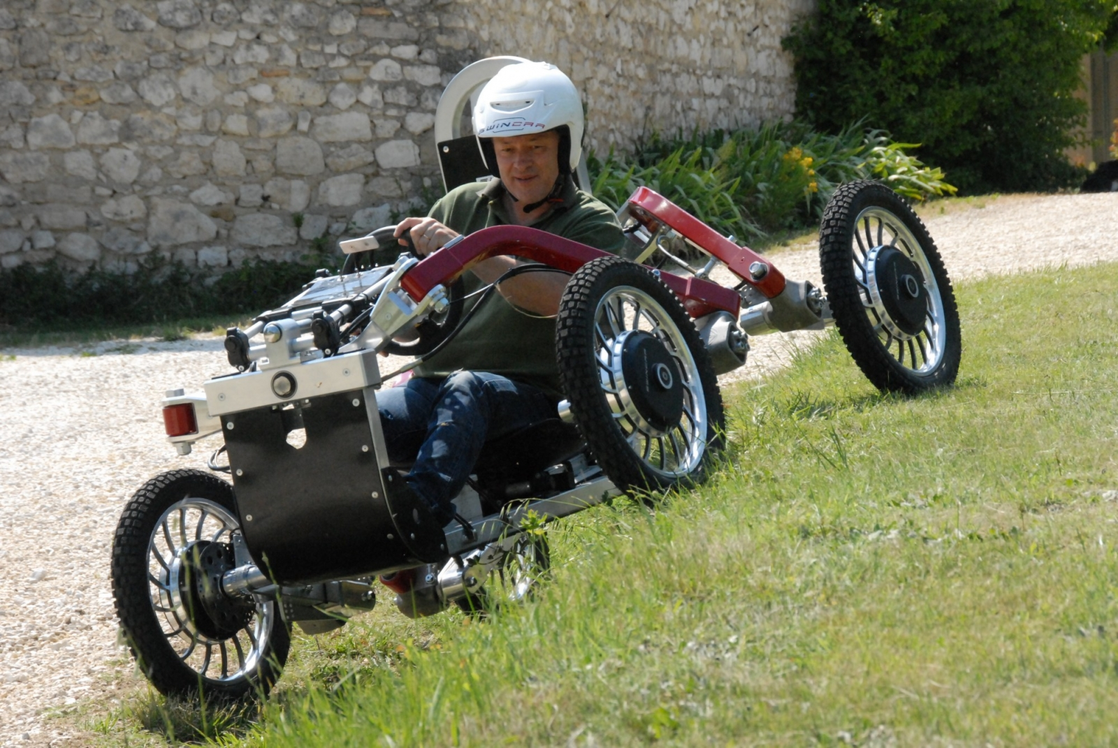 Swincar is a four wheel drive vehicle