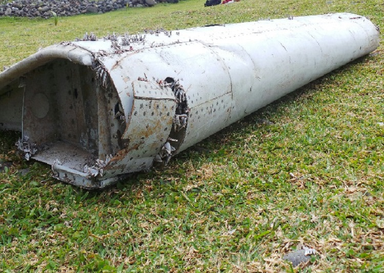 malaysia airlines crash debris - photo #40