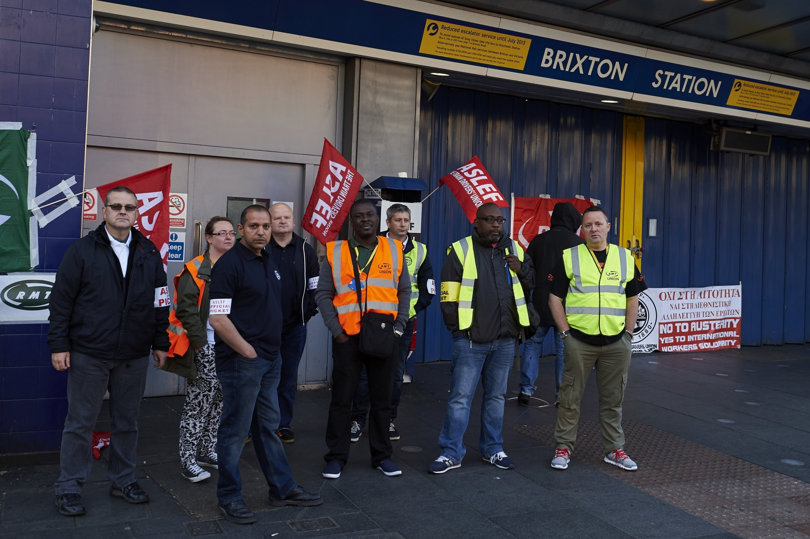 RMT and Aslef members picket