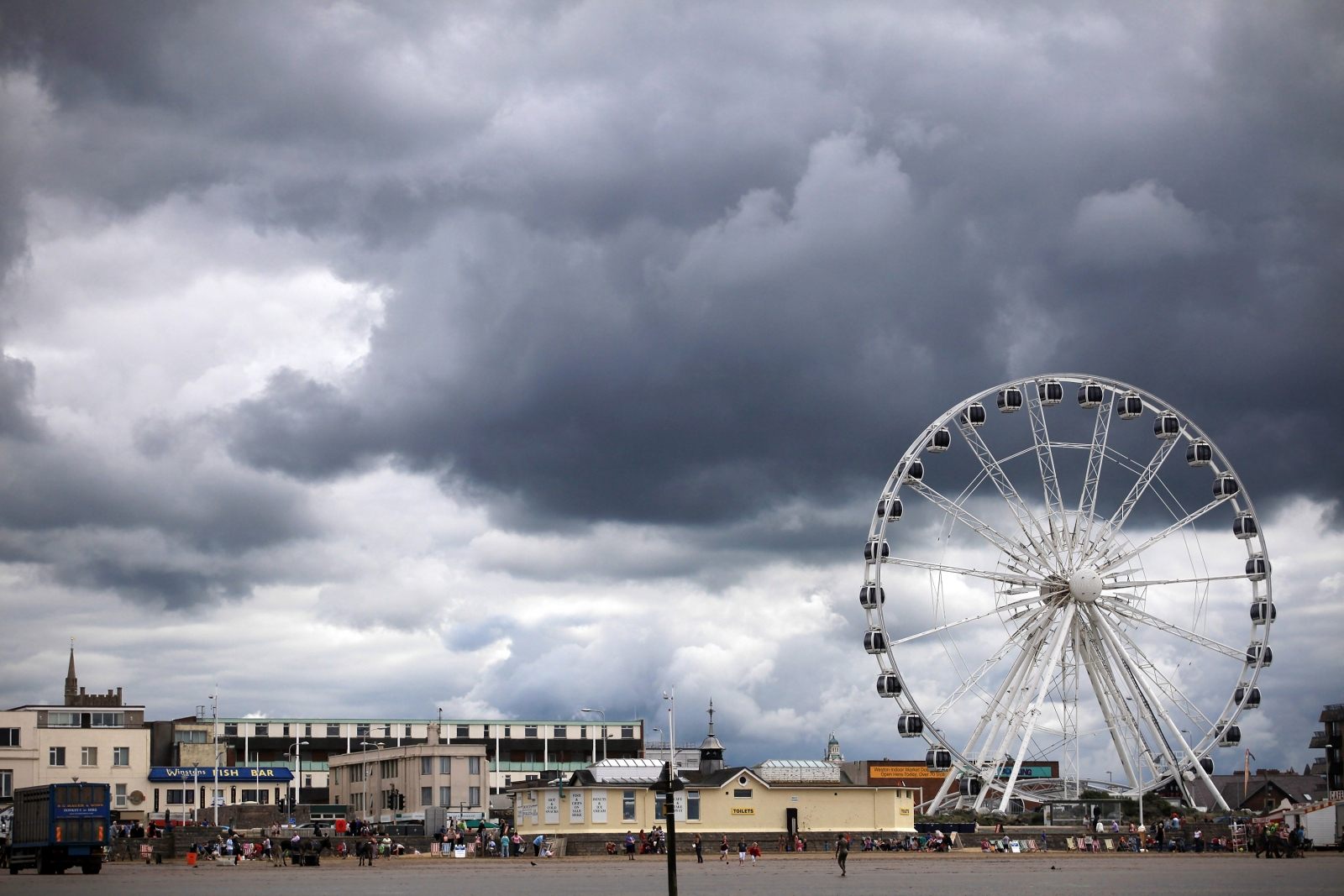 Storms clouds gather above Weston Super Mare