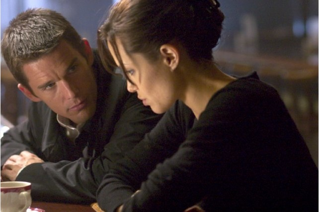 Ethan Hawke Angelina Jolie in Taking Lives