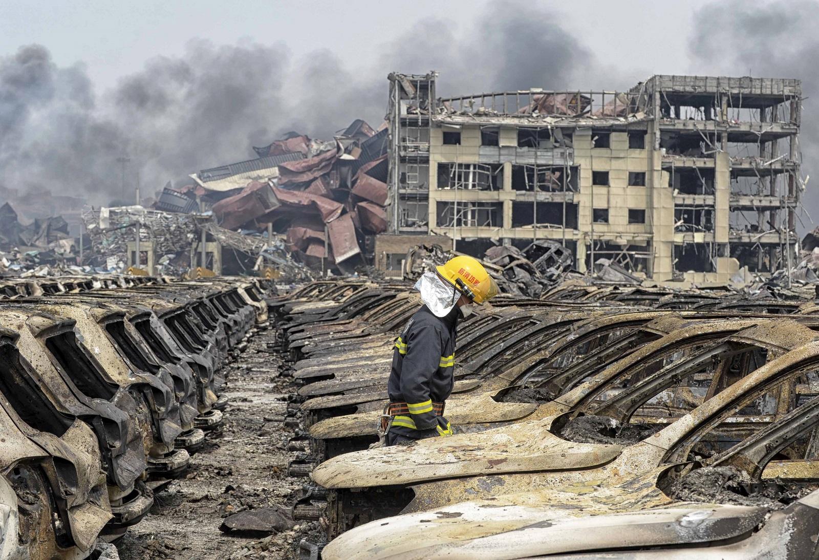 China Tianjin explosion burnt cars