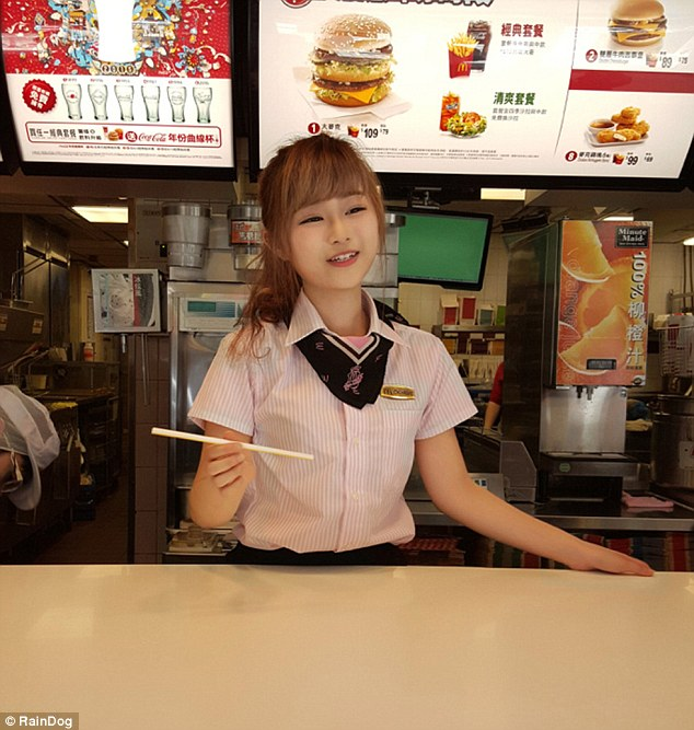 Taiwan Men Are Flocking To Mcdonalds For A Glimpse Of -4089
