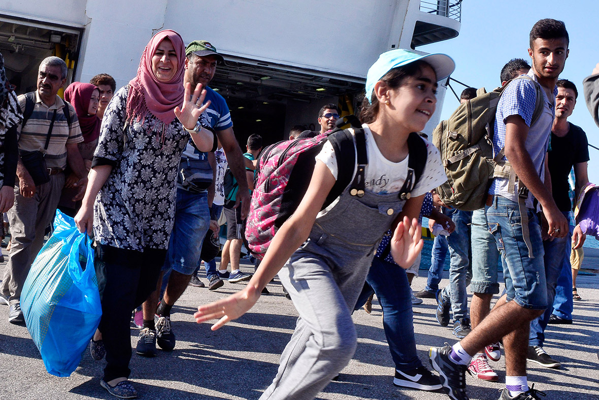 syrian migrants athens ship