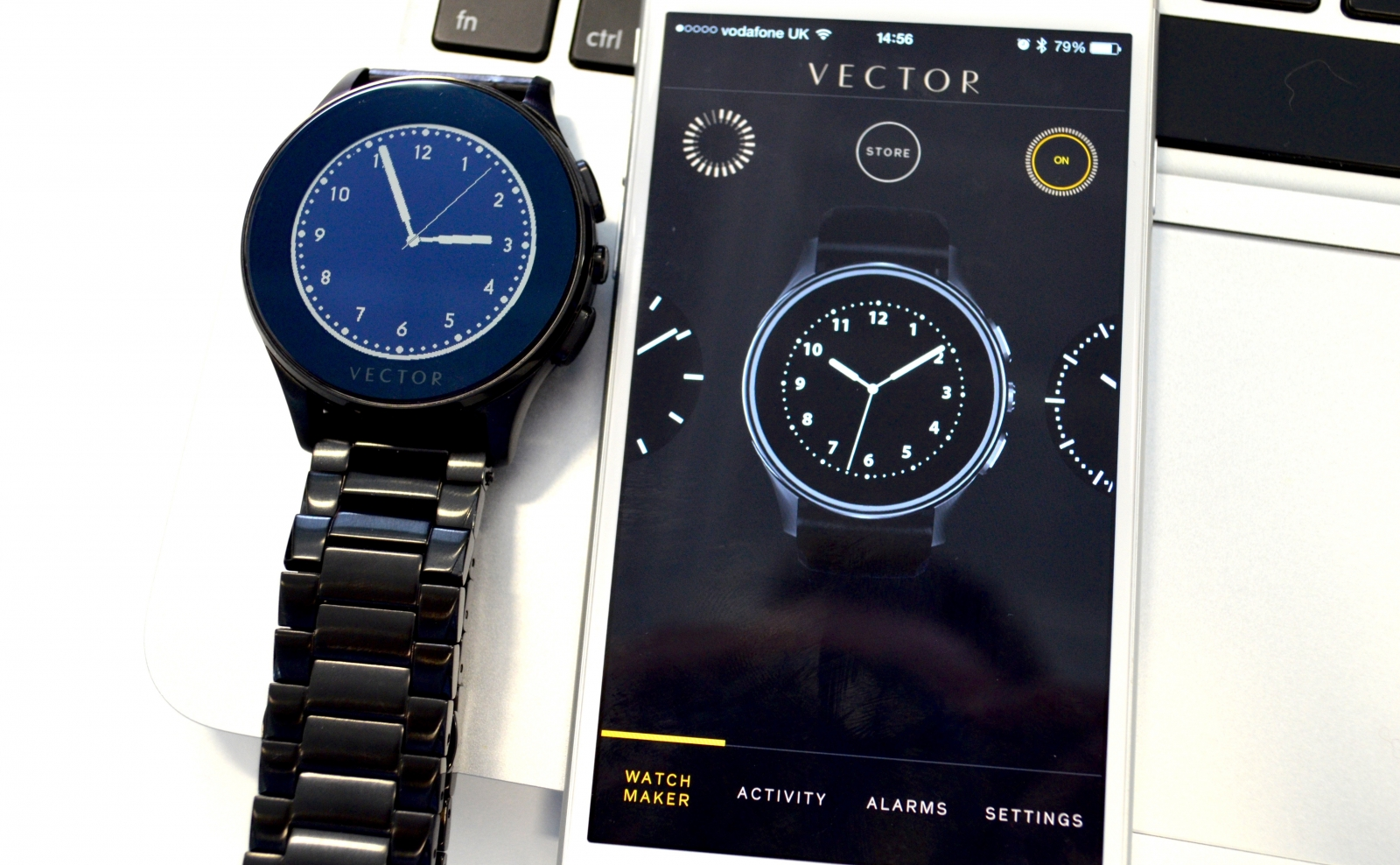 Vector Luna smartwatch app iOS iPhone