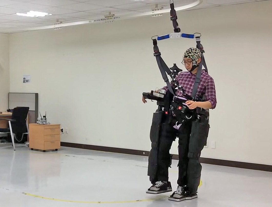 Focusing on LEDs makes robotic exoskeleton work