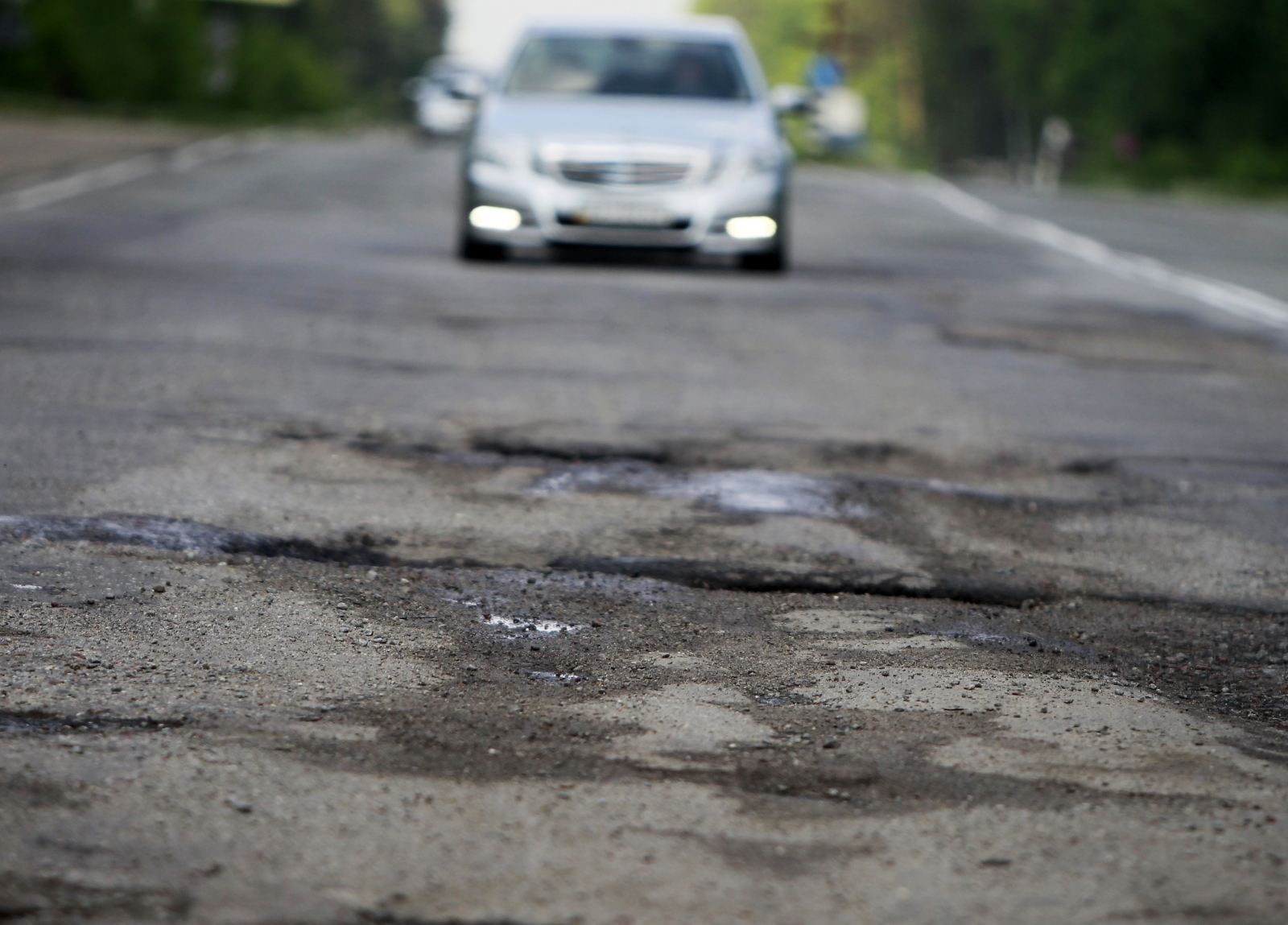 Google patent navigates around potholes