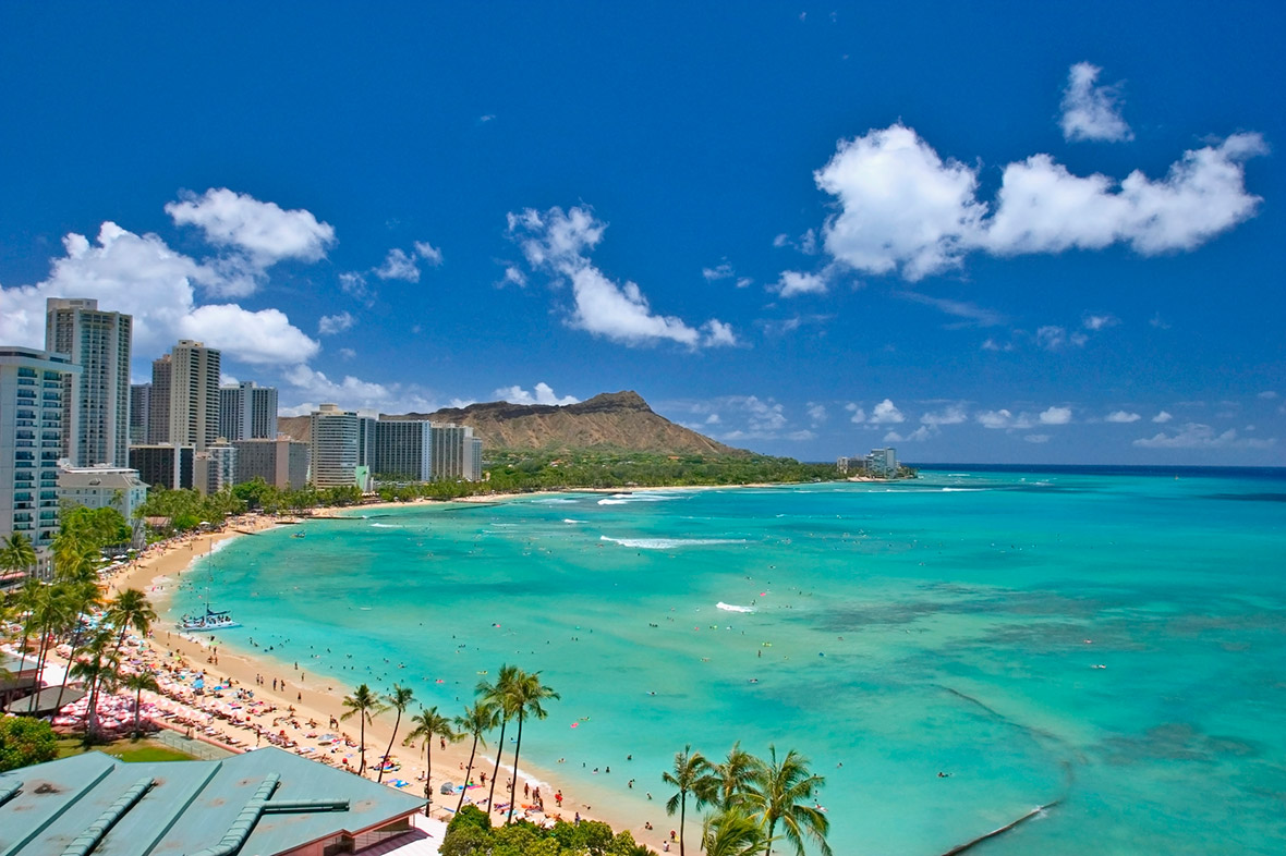 Paradise Lost Hawaiis Waikiki Beach Closed After Massive Sewage And Excrement Spill
