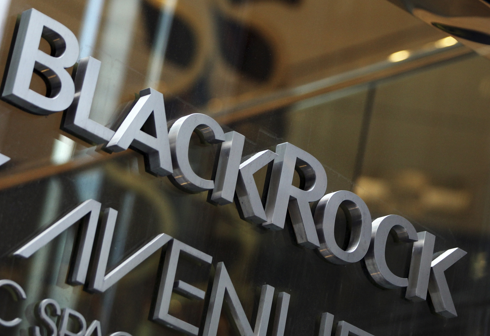 BlackRock buys digital wealth manager FutureAdvisor