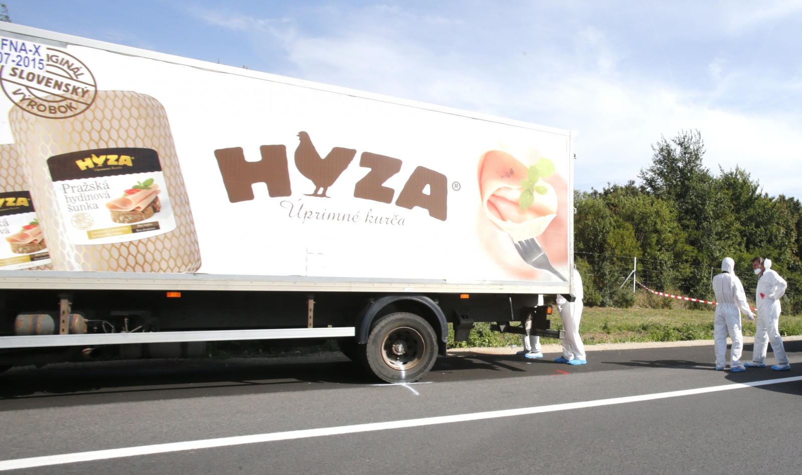50 migrants dead Austria truck