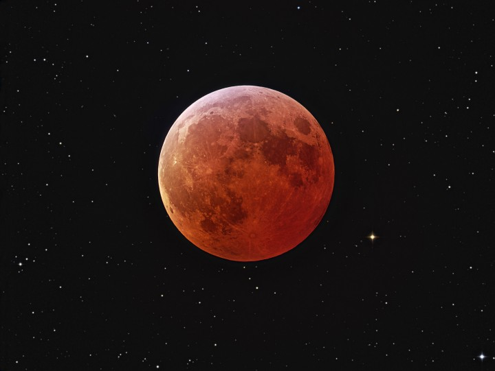 blood supermoon