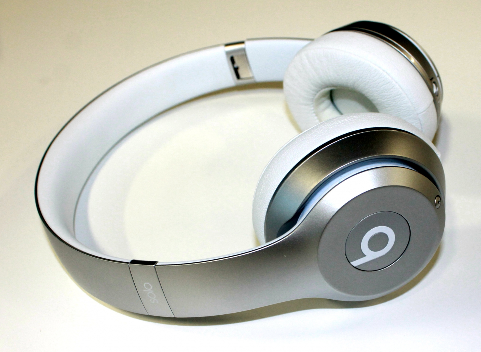 Beats Solo 2 Wireless headphones
