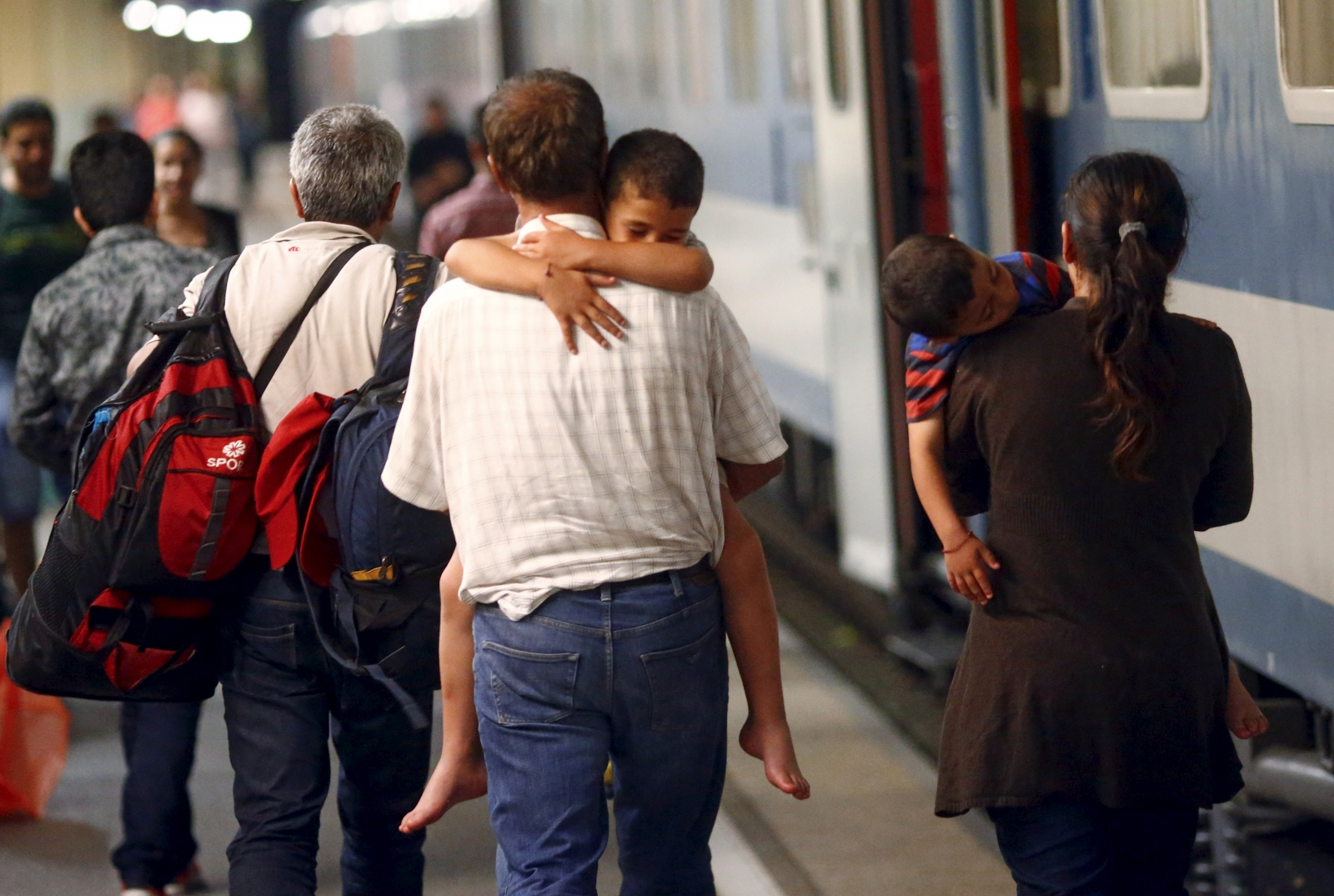 EU migrant crisis, trains arrive in Germany