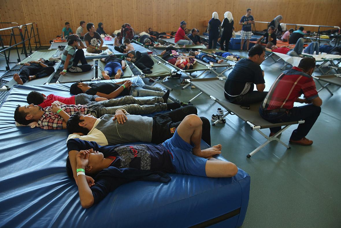 migrants Hungary Austria Germany