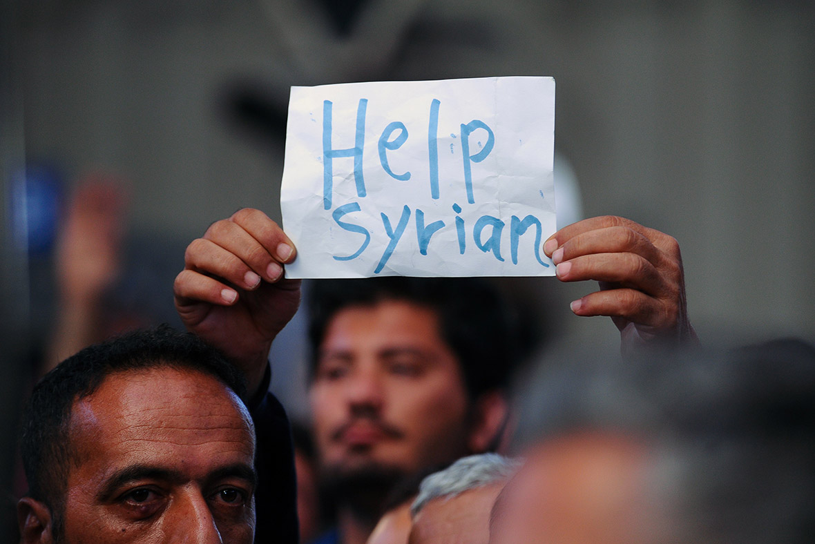 Syrian civil war: August records '5,000 deaths' as migrants continue to flee to safety