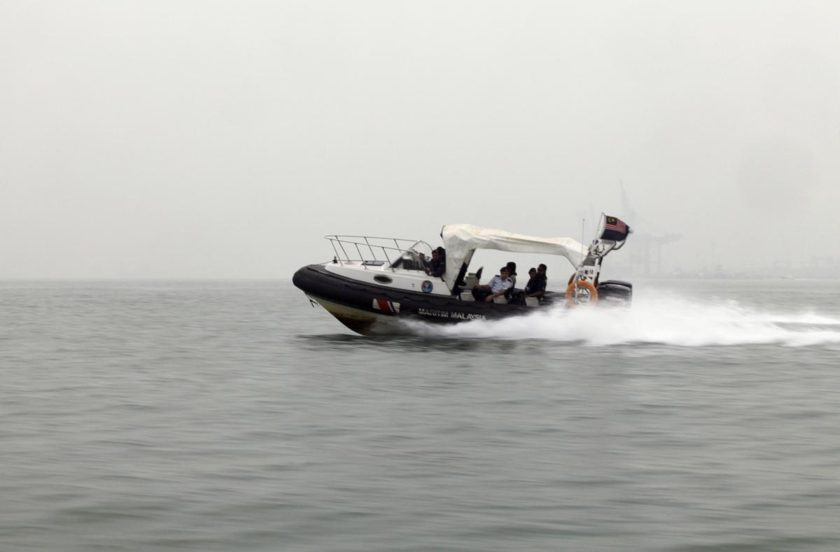 Malaysia 'immigrant' boat capsizes