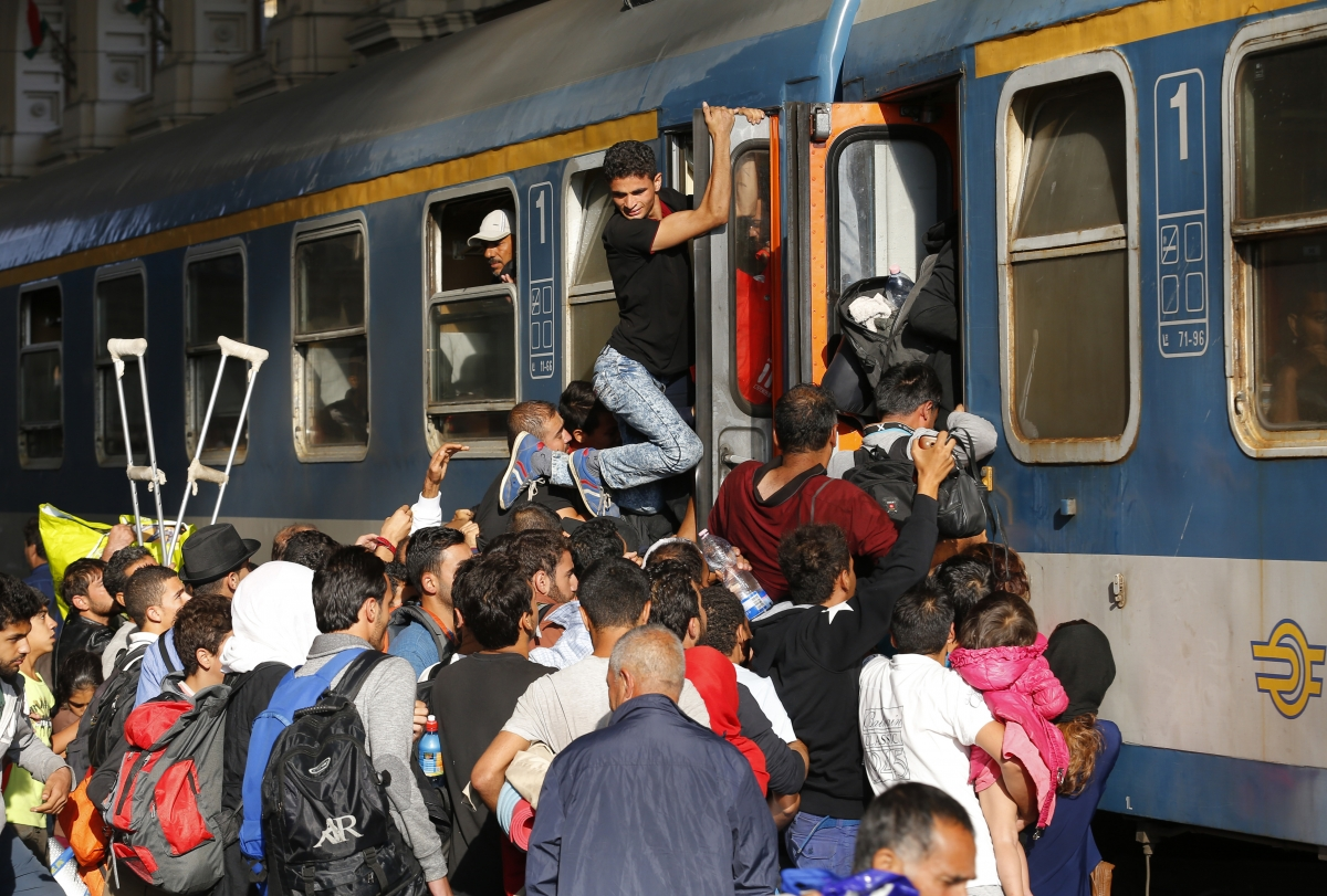 Migrants Keleti train station Budapest