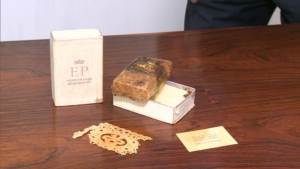 Queen Elizabeth Ii Slice Of Monarch S 1947 Wedding Cake Sold At