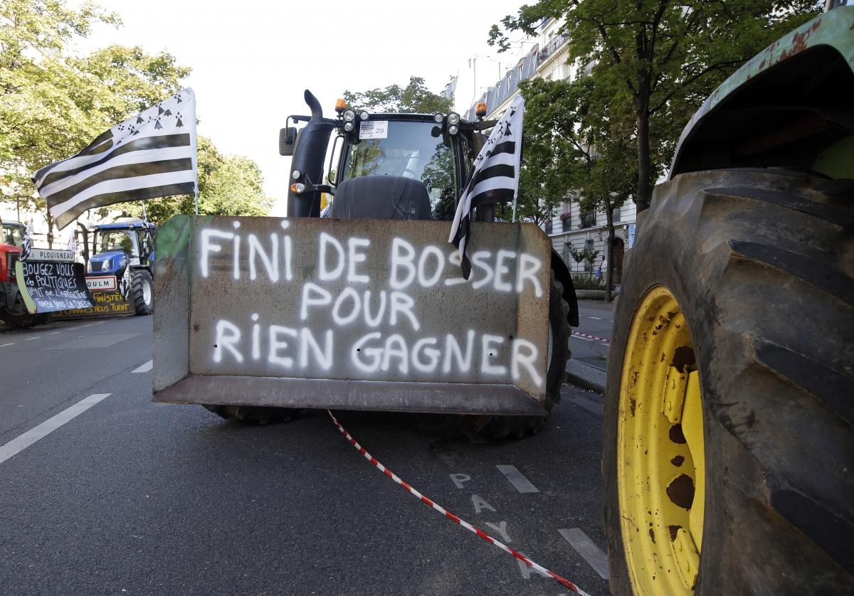French farmers tractors protest Paris