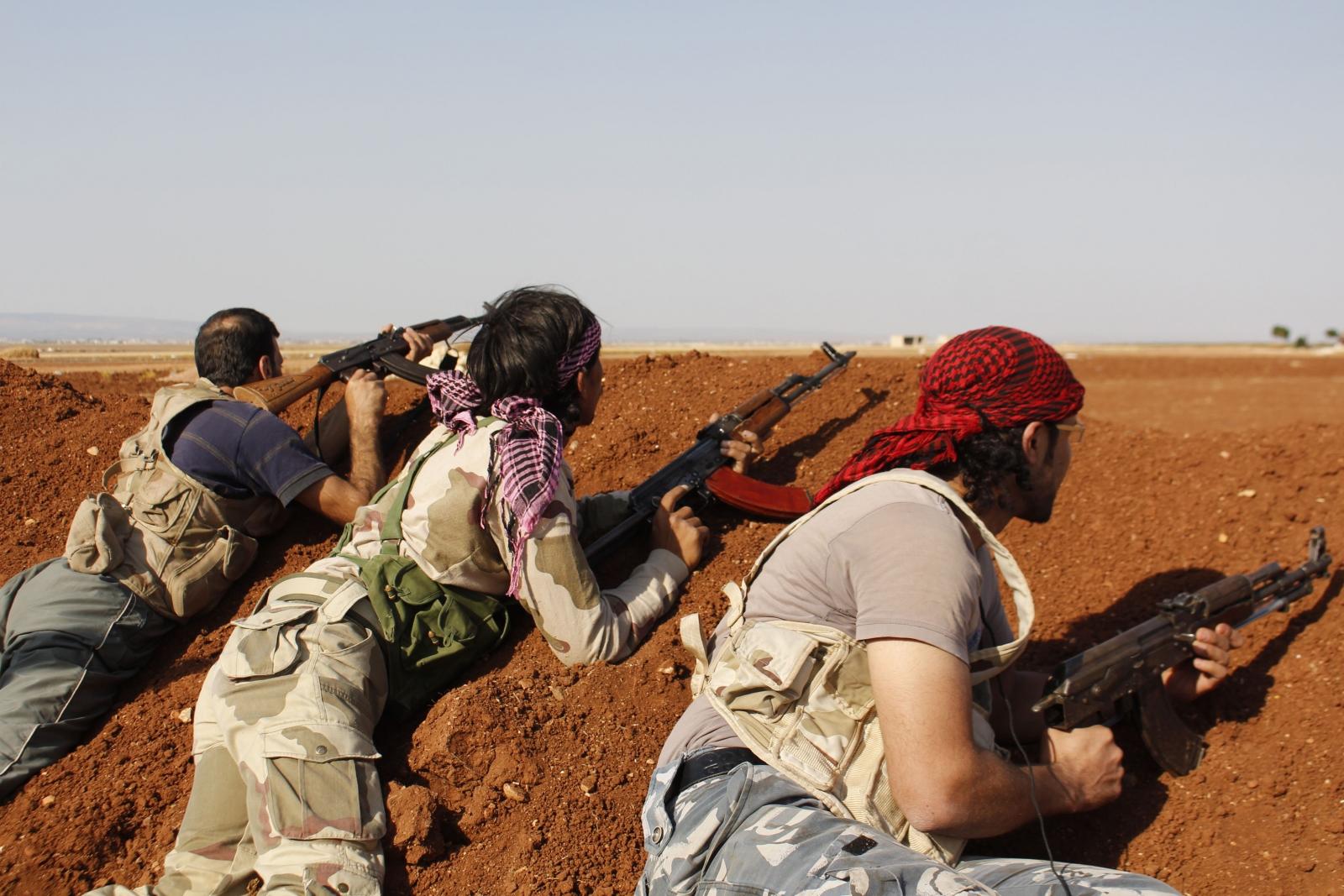 Fierce fighting between ISIS and Syrian rebels