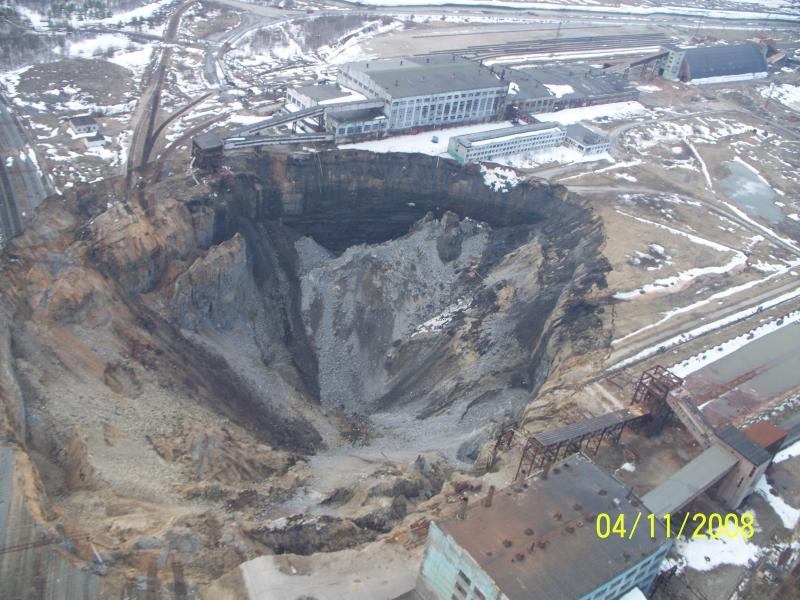 Russia sinkhole 2