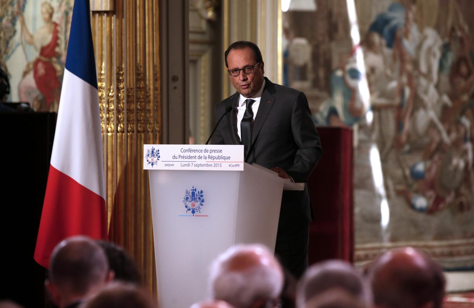 Francois Hollande France refugees