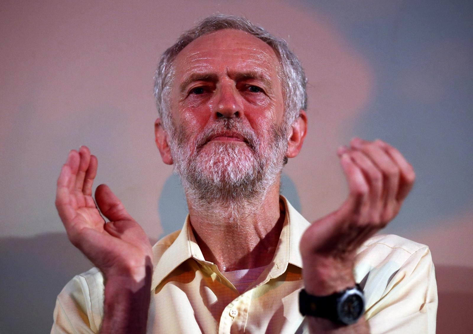 Jeremy Corbyn clapping