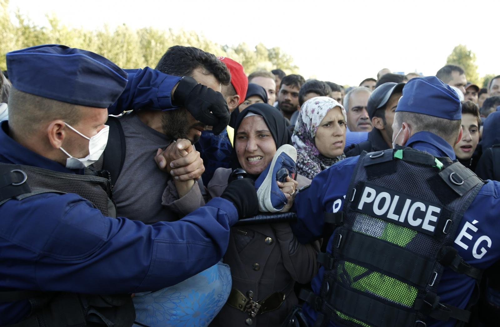 migrant crisis Hungary border