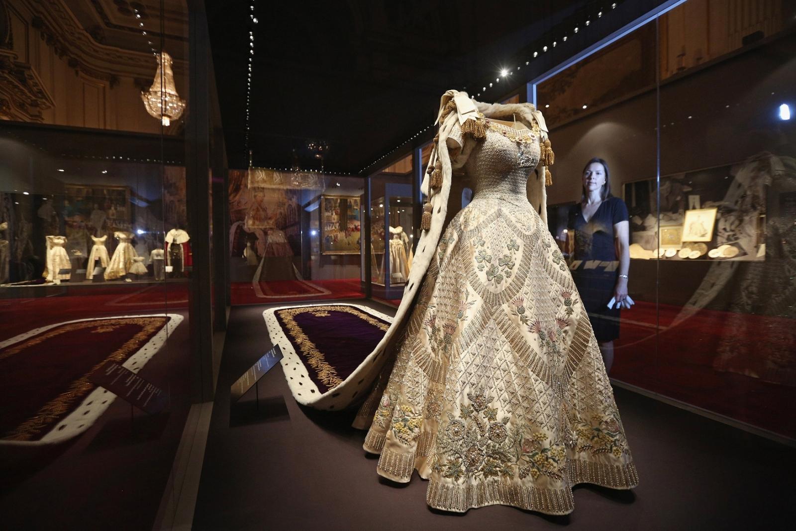 Queen Elizabeth gown