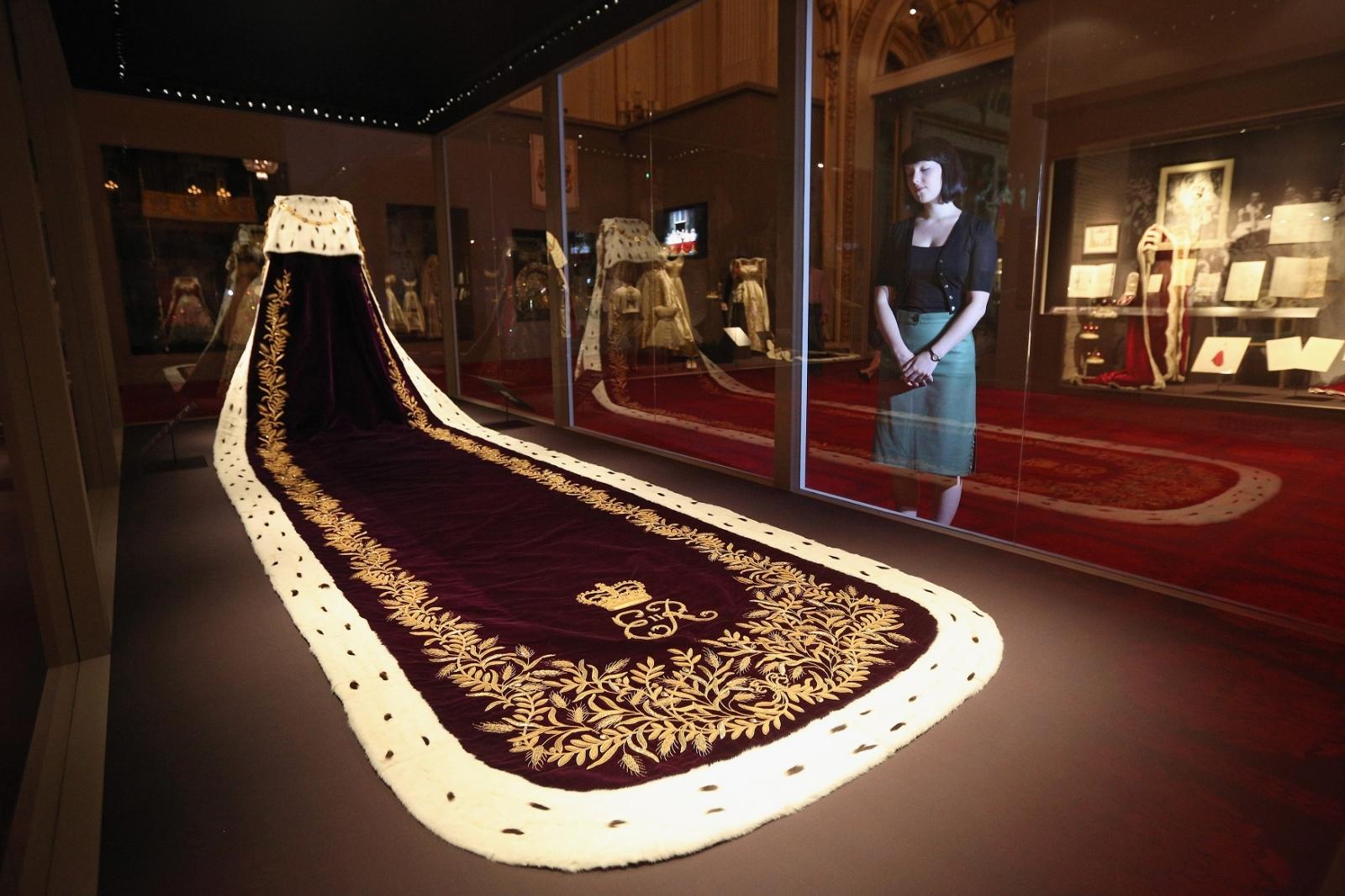 Queen Elizabeth robe