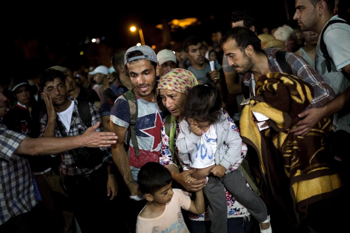 Hundreds of migrants in Kos